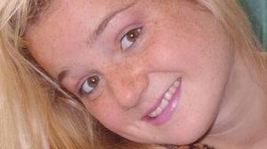 Jeune fille blonde timide cherche petits moments câlins !