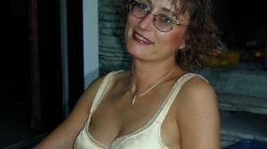 Femme mature de 37 ans cherche plan cul hot !
